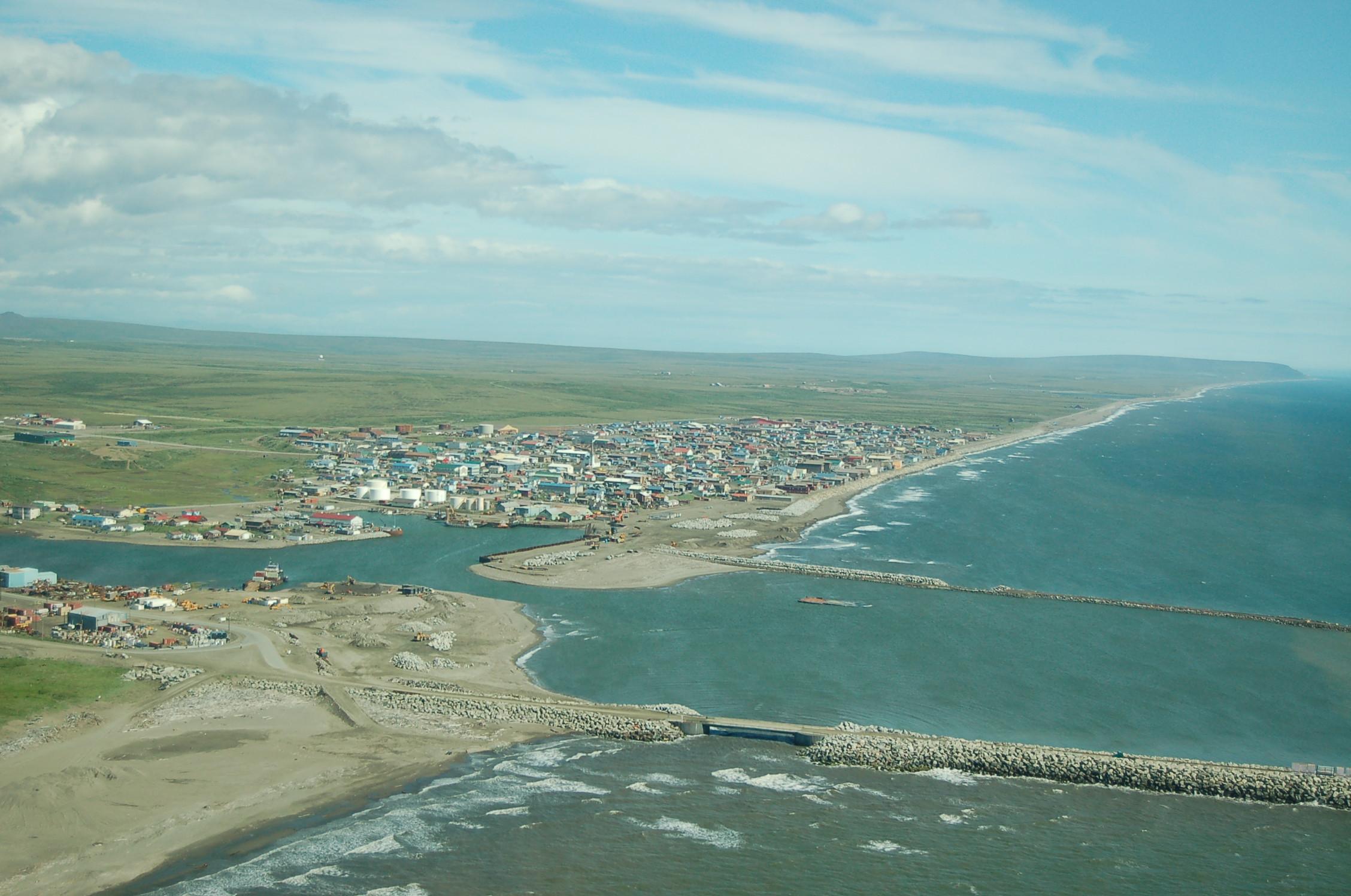 Nome_Alaska_aerial_2006